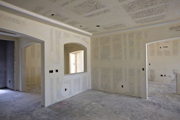 Миниатюра к статье Как быстро снять флизелиновые обои со стен
