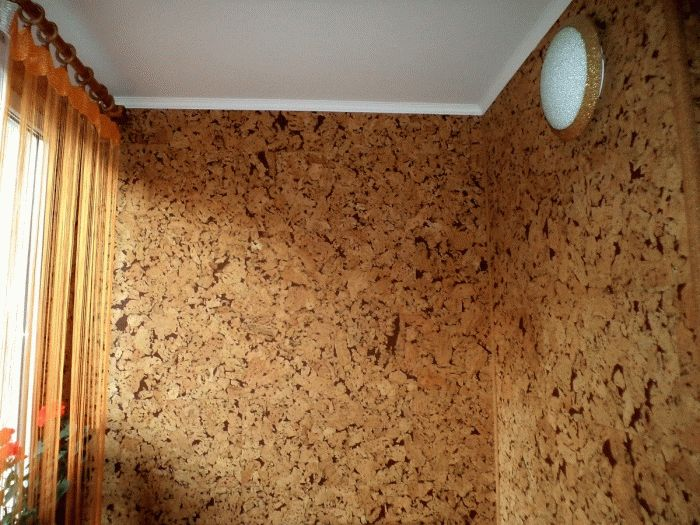 Миниатюра к статье Какой краской лучше красить стены на кухне